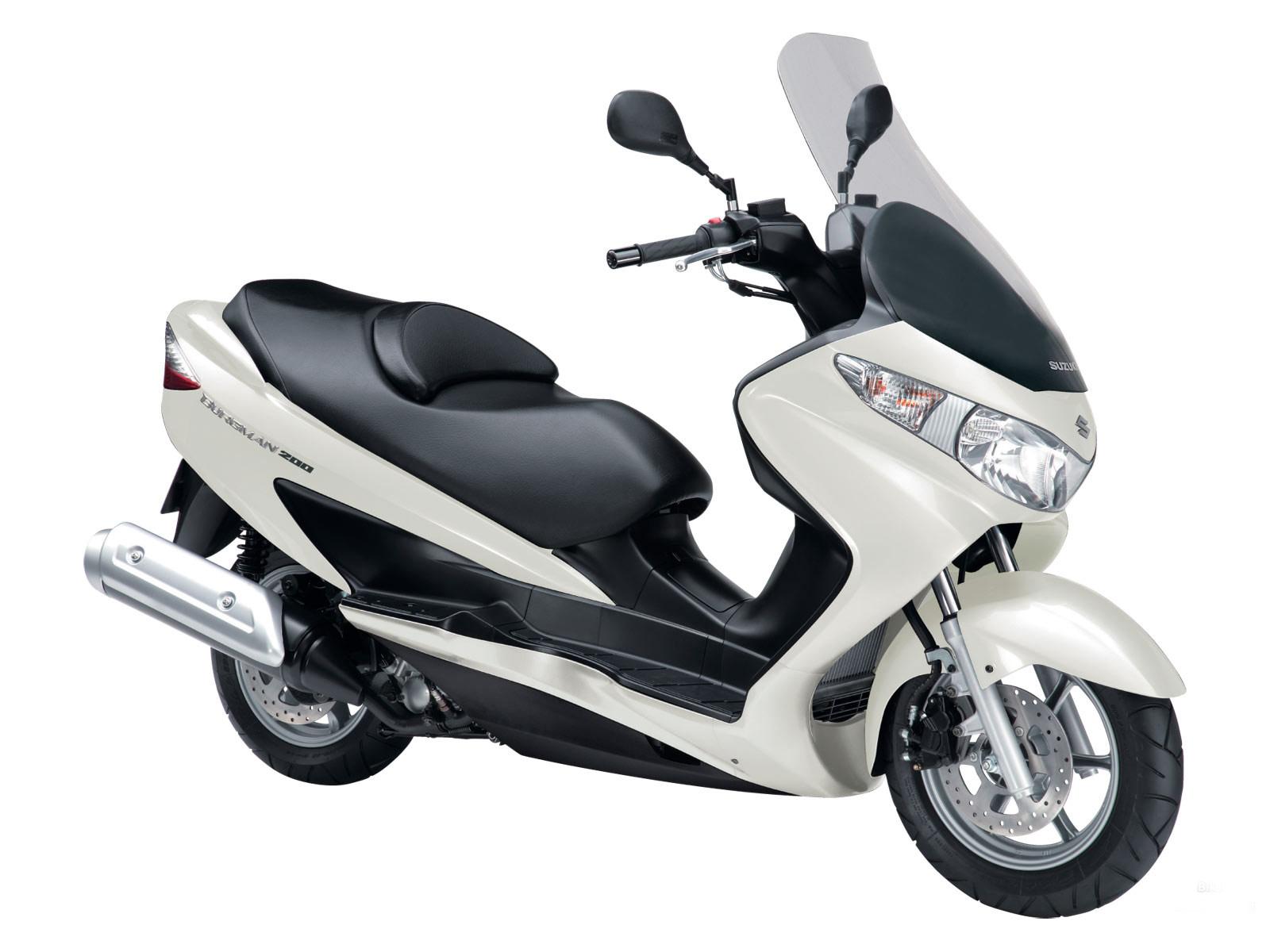 Suzuki Burgman 200 Kenyamanan Lebih Diutamakan