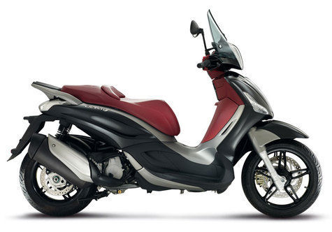 Piaggio Beverly 300S Semakin Tampil Sporty