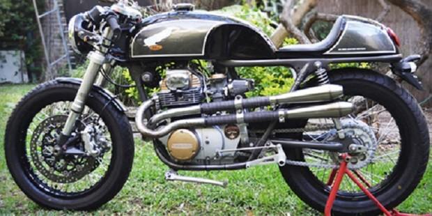 Honda CB350 Tampil Keren dengan Model Cafe Racer