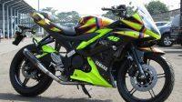 Kehadiran Yamaha R15 terbaru dengan Warna kebesaran Rossi