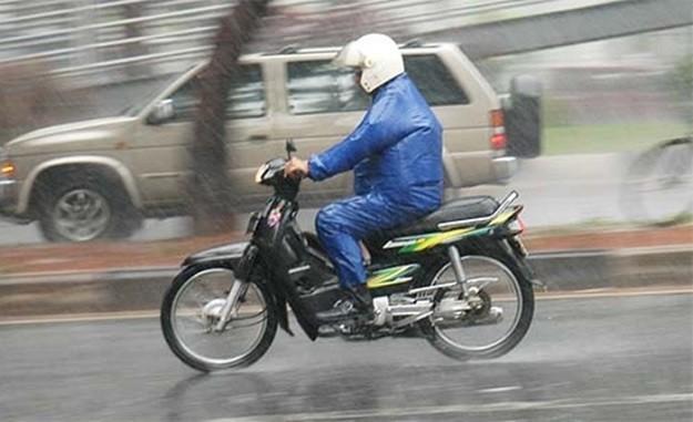 Tips Dan Trik Merawat Sepeda Motor Saat Musim Hujan 2015