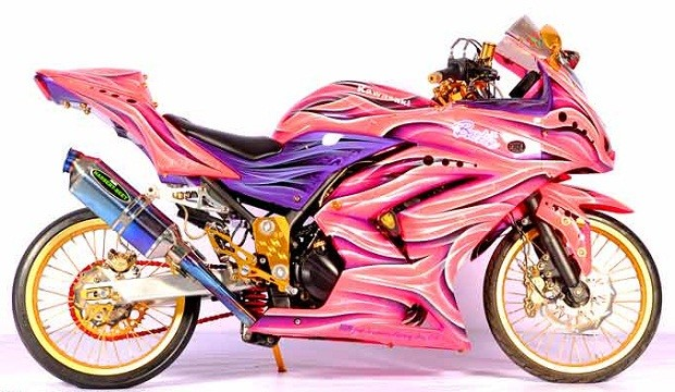 Modifikasi Ninja 250cc Makin Keren dengan Sentuhan Airbrush