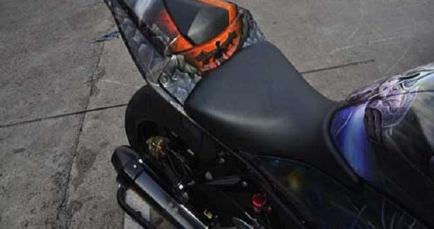Modifikasi Yamaha YZF-R25 Terinspirasi Dengan Game Online Clash of Diablo