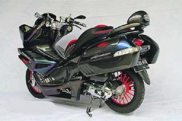 Modifikasi Honda PCX 150 Lebih Elegan Dengan Wujud Alien