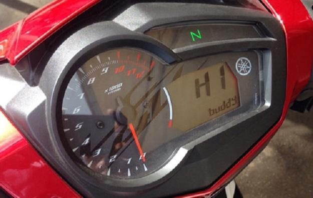 Speedometer Yamaha MX King 150 Memiliki Fitur Yang Menampilkan Sapaan