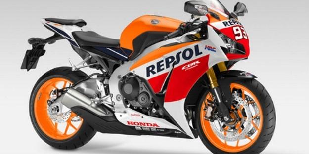 Kedatangan Honda CBR1000RR 2015 di Tanah Air Akan Bersaing Dengan Yamaha R1