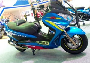 Modifikasi Suzuki Burgman 200 Ala MotoGP, Modal Kecil Dengan Hasil Besar