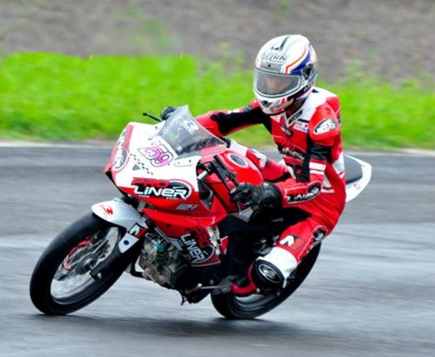 Modifikasi Yamaha YZF-R15 Fun Race, Teknologi Injeksi Tidak Terpakai Lagi