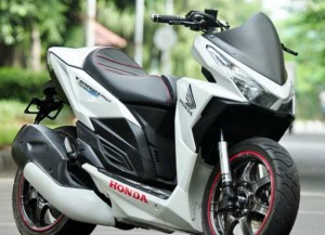 "Modifikasi ""Sport Matic"" Honda Vario 150 eSP Lebih Sporty"