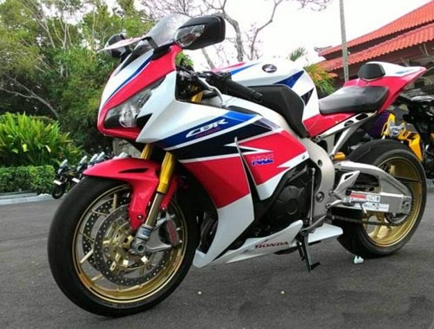 Inilah Harga Resmi Dan Spesifikasi Honda CBR1000RR SP