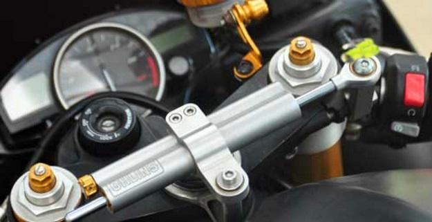 Modifikasi Yamaha YZF-R6 Untuk Menjelajahi Tanah Air