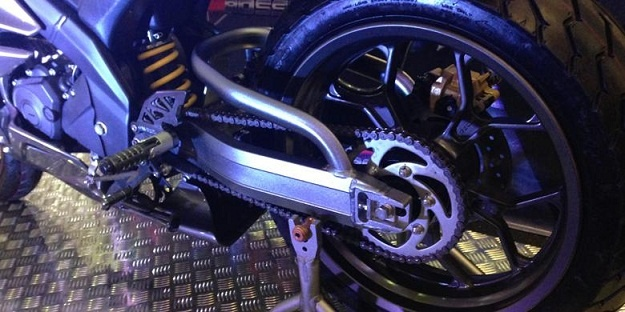 Swing Arm Aftermarket V Rossi untuk Yamaha R15