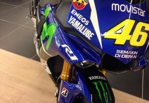 Versi Terbaru Yamaha R1 Dengan Livery Movistar Milik Rossi Dibanderol Rp 272 Juta