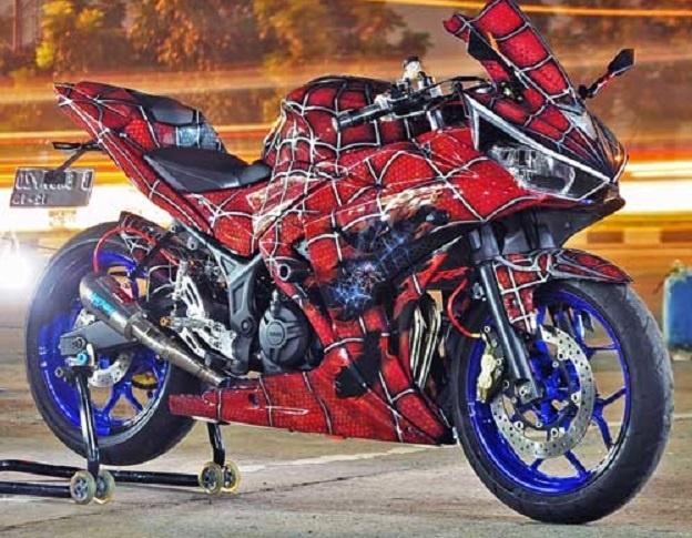 "Modifikasi Yamaha YZF-R25, Inspirasi Superhero Asal Amerika ""Spiderman"""