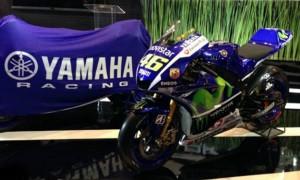 Yamaha YZR-M1 Original Menjadi Aksesoris Saat Peluncuran YZF-R1 Dan YZF-R1M