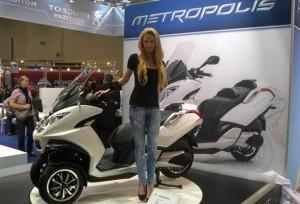 Spesifikasi dan Fitur Canggih Yang Dimiliki Peugeot Metropolis, Skutik Roda 3 Bermesin 400 cc